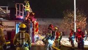 Le complexe SportsDome, à Moncton, a pris feu samedi soir.