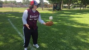 Florence Raposo, de Boisbriand, en est à sa première saison de baseball adapté.
