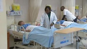 Une formation accélérée du Cégep Limoilou permet à des immigrants diplômés de retourner sur le marché du travail en tant qu'infirmiers.