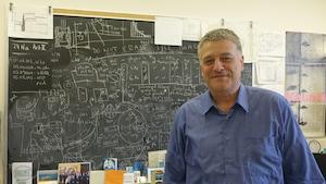 Jacques Farine, professeur de physique à l'Université Laurentienne, à Sudbury, et chercheur au SNOLAB.