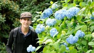 Philippe Levesque dans son jardin
