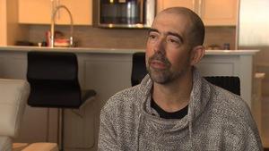 M. Boucher lors d'une entrevue télévisée, chez lui.