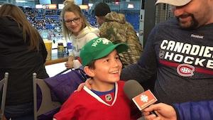 Un jeune partisan des Canadiens de Montréal