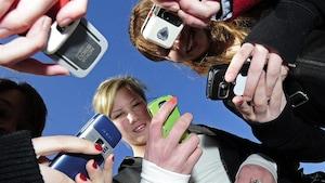 Une école bannit les cellulaires pendant les heures de classe