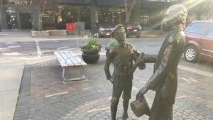 Une statue historique au centre-ville de Saskatoon