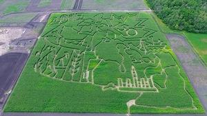 Un labyrinthe de maïs thématique pour le 150e anniversaire de la Confédération