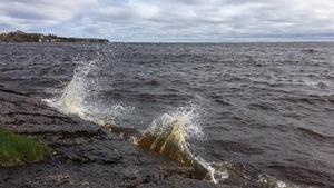 Des vagues sur le lac Saint-Jean