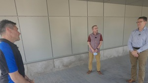 L'animateur du Téléjournal Québec, Bruno Savard en entrevue avec Dr Robert Laforce, chercheur clinicien et professeur agrégé au Département de Médecine de l'Université Laval et Dr Louis Verret, codirecteur de la Clinique Interdisciplinaire de Mémoire.