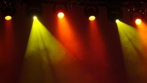 Des lumières de scène