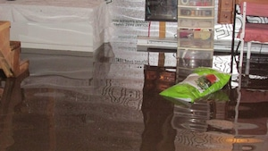 Le sous-sol de la résidence d'Alain Turcotte après la pluie.