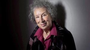 Margaret Atwood approuve les reprises de films avec une distribution féminine