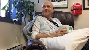 Nathalie Prud'Homme reçoit des injections intraveineuses de vitamine C.