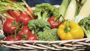 Un panier de légumes.