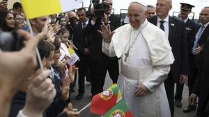 Le pape François à son arrivée à la base aérienne militaire de Monte Real, au centre du Portugal.