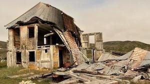 Une maison abandonnée dans la communauté d'Hebron à Terre-Neuve-et-Labrador