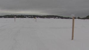 Un site de pêche blanche balisé sur le lac Kénogami.