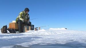 Il est déjà possible de pêcher, mais la glace n'est pas assez épaisse pour installer les cabanes.