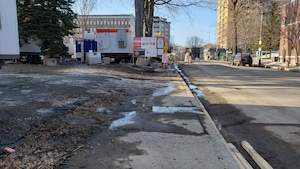 La Ville de Québec a acquis trois terrains en vue du tracé du tramway le long de la 1re avenue.  Ces terrains ne sont plus requis.