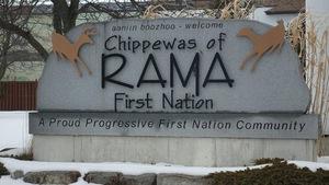 La Première Nation des Chippewas de Rama compte 1900 membres.