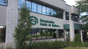 Bâtisse avec logo RCQ