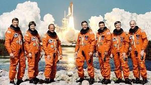 Les sept membres d'équipage de la mission STS-42