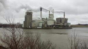 L'usine Irving sur le bord de l'eau