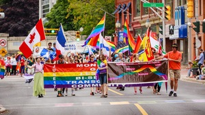 Un défilé de la fierté LGBTQ+