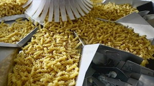 Production de pâtes dans un usine d'Italie.