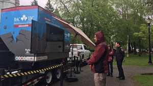 Le parc Champlain de Trois-Rivières invite le public à vivre une simulation de tremblement de terre.