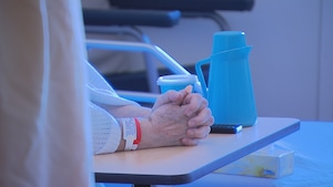 Les mains d'un patient