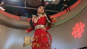 L'Albertaine Tia Wood, 17 ans, a été choisie pour mener les danseurs lors du grand pow-wow Gathering of Nations, à Albuquerque, au Nouveau-Mexique.