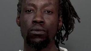 Oba Femi Toussaint a été arrêté début avril pour avoir supposément agressé une mineure.