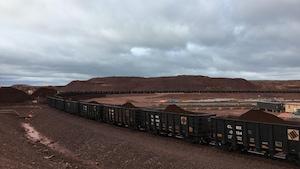 Train transportant le minerai aux installations de Tata Steel à Schefferville
