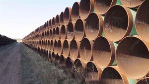 Le projet de pipeline Keystone XL a été rejeté en novembre 2015 par le président des États-Unis de l'époque, Barack Obama.