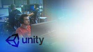 Des employés de l'entreprise de jeux vidéo Unity avec le logo en premier plan.