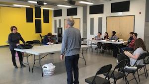 Chronique tendance: Échanger les rôles avec le théâtre intergénérationnel