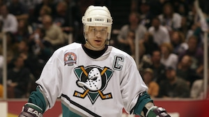 Paul Kariya en 2003 avec les Mighty Ducks d'Anaheim