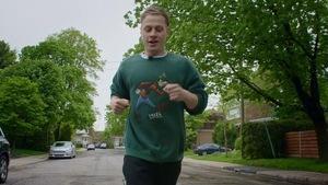 Antoine-Olivier Pilon qui fait du jogging