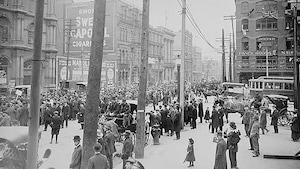 Défilé contre la conscription au square Victoria à Montréal, 24 mai 1917
