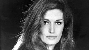 Selon un sondage Ifop de 2001 elle est la chanteuse populaire française qui a le plus marqué le 20e siècle.