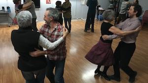 Une vingtaine de danseurs participent aux cours de danse traditionnelle offerts chaque semaine par la passionnée Lucille Arsenault à Bonaventure.