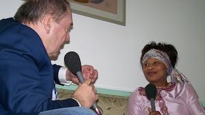 Michel Désautels rencontre la future candidate à la présidentielle sénégalaise Aïssata Tall Sall à Dakar au Sénégal.