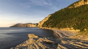 Le côte escarpée du Parc national Forillon, en Gaspésie