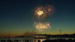 Les feux d'artifice lancés au-dessus d'English Bay à Vancouver