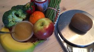 Voici une portion quotidienne de 8 fruits et légumes qui coûte 4,10 $ selon les calculs d' Hélène Laurendeau