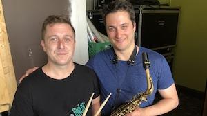 Le percussionniste Alain Bourgeois et le saxophoniste Benjamin Deschamps