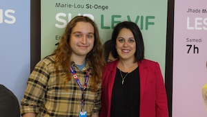 L'élève engagé Forces AVENIR, Matias Lauzon avec l'animatrice Marie-Lou St-Onge.