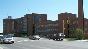 L'hôpital St-Joseph, vu de la rue Paris