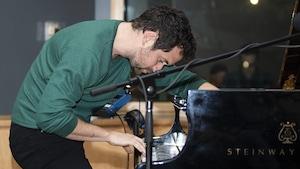 Jean-Michel Blais en prestation au studio 12.