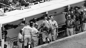 Les Expos célèbrent le coup de circuit de Dan McGinn lors du premier match de leur existence, le 8 avril 1969 au Shea Stadium de New York.